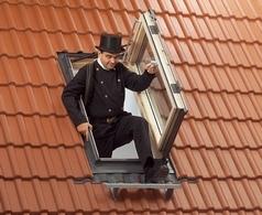 мансардное окно для выхода на крышу с боковым открыванием