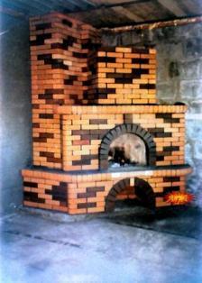 декоративным кирпичом облицовывают печи и камины