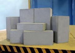блоки из пенобетона должны быть тщательно отшлифованы и выравнены еще на производстве