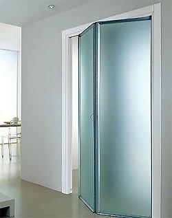двери-ширмы хорошо вписываются в интерьеры, выполненные в стиле минимализма и хай-тек