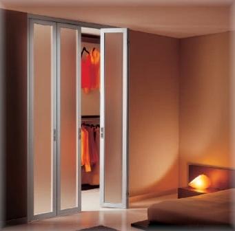 двери-ширмы способны обеспечить хорошую шумоизоляцию, как и обычные распашные двери