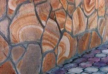 цоколь, выложенный крупными плоскими камнями