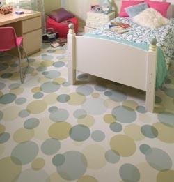 для спальни подойдет тонкий линолеум с небольшим защитным слоем