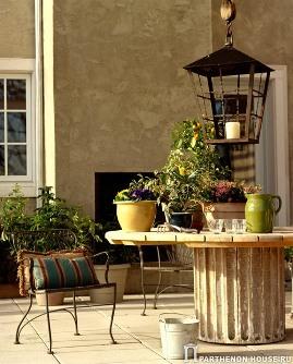 садовая мебель из чугуна и дерева по-своему прекрасна