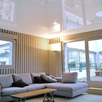 натяжные потолки с глянцевой поверхностью