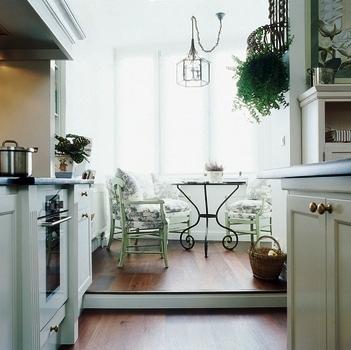 кухня, совмещенная с лоджией