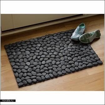 коврик в прихожую или ванну в виде каменной гальки