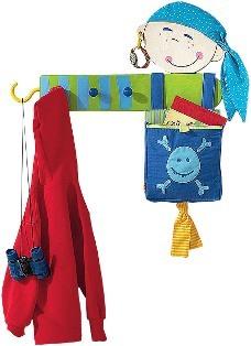 полезная вешалка для детской одежды