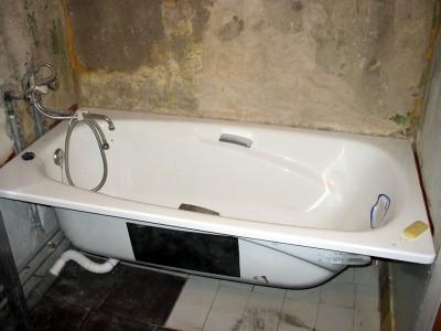 Установка ванны нового поколения на место старой