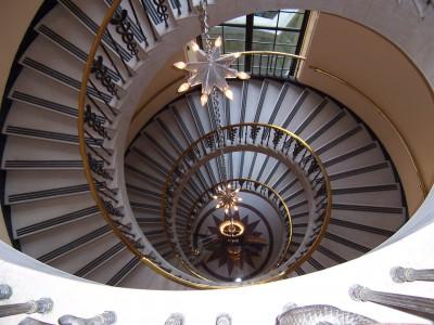 Виготовлення гвинтових сходів для