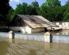 Радикальные методы защиты дома от паводка